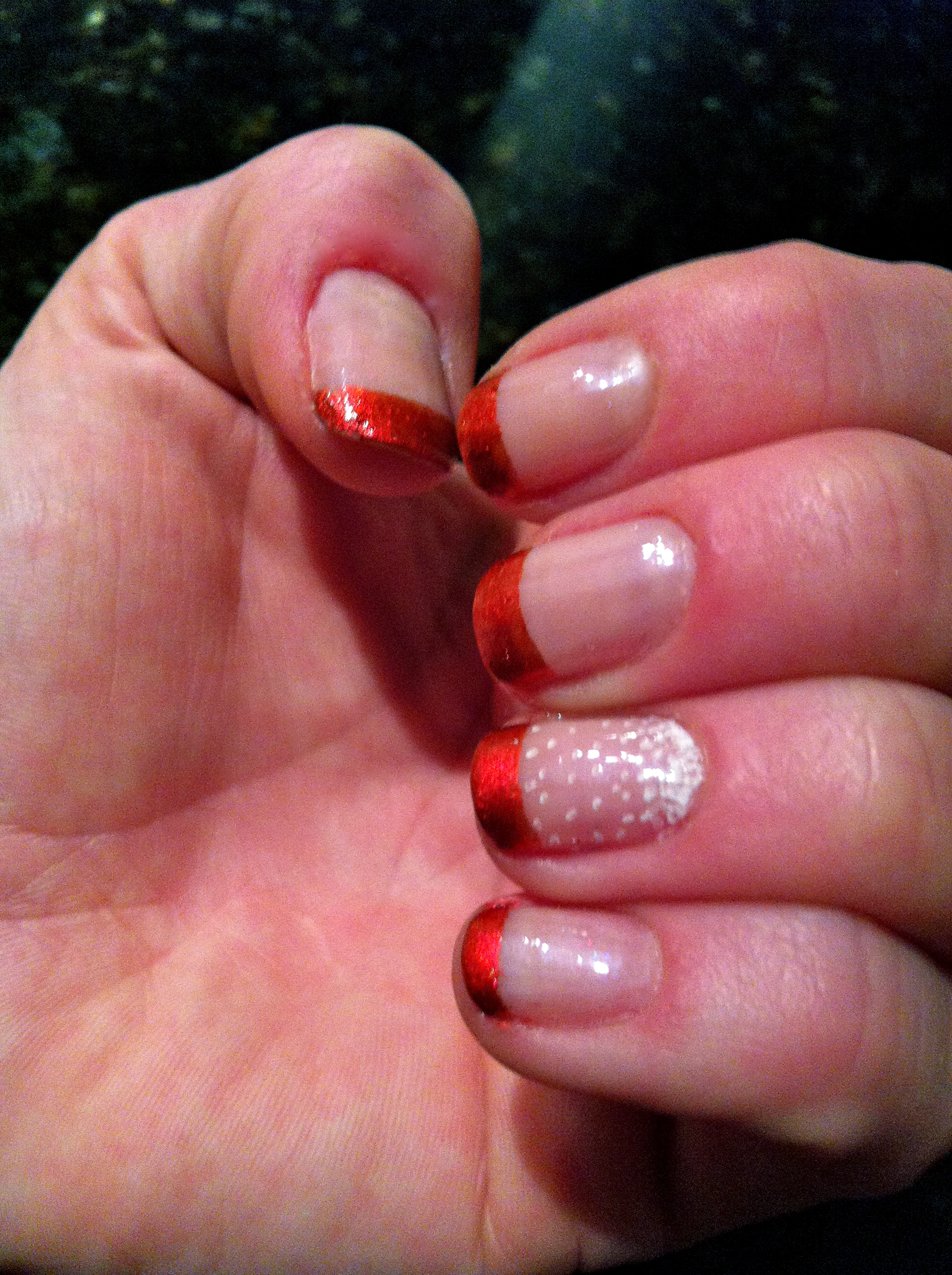 Red Tipped Nails | cjackplay